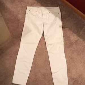 Gap White capri jeans